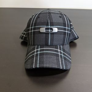 Oakley Flex Fit Hat